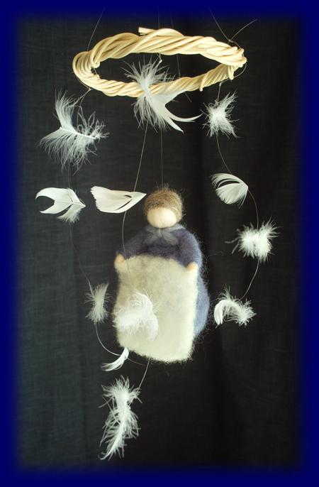 ホレおばさん 羊毛人形