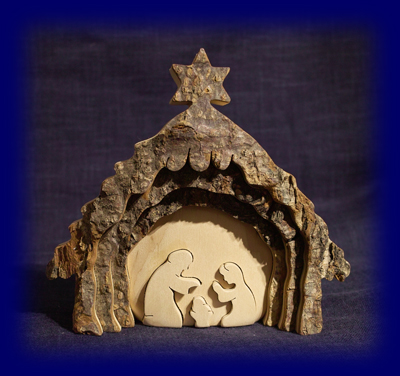 皮付き自然木の聖誕ディスプレイ (No.4472) 天然木の小物