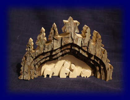 皮付き自然木の聖誕ディスプレイ (No.4462) 天然木の小物