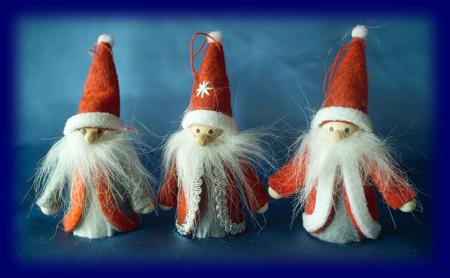 スモールクリスマス サンタ3人 Sサイズ オーナメント・壁飾り