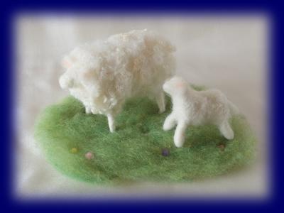 羊毛人形 くるくる羊の親子